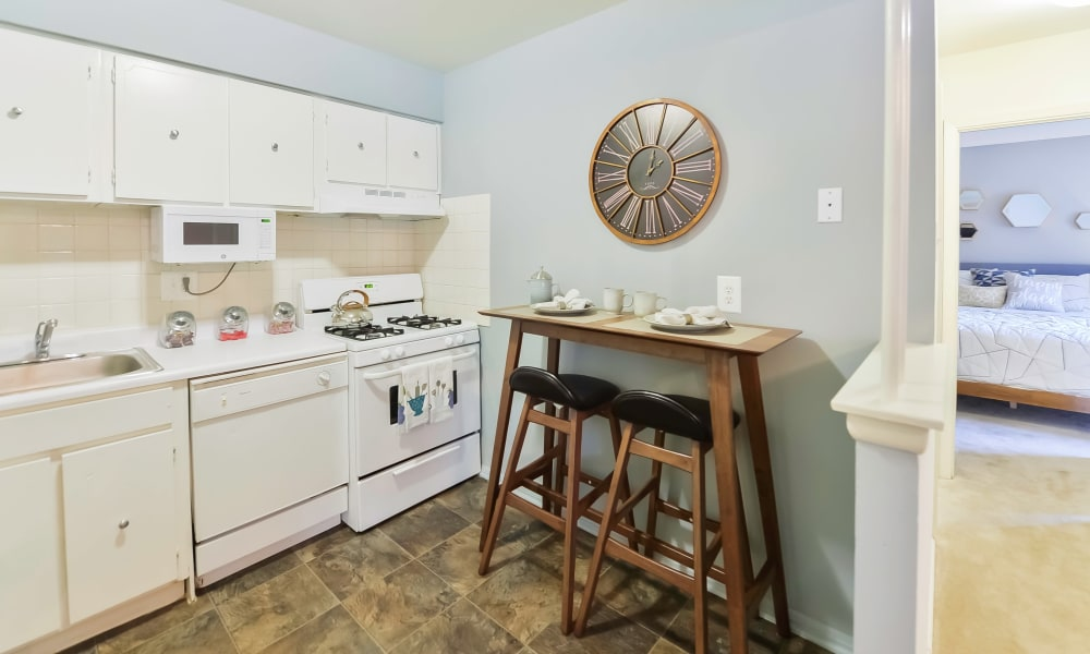 Enjoy apartments with a kitchen at Brookmont Apartment Homes