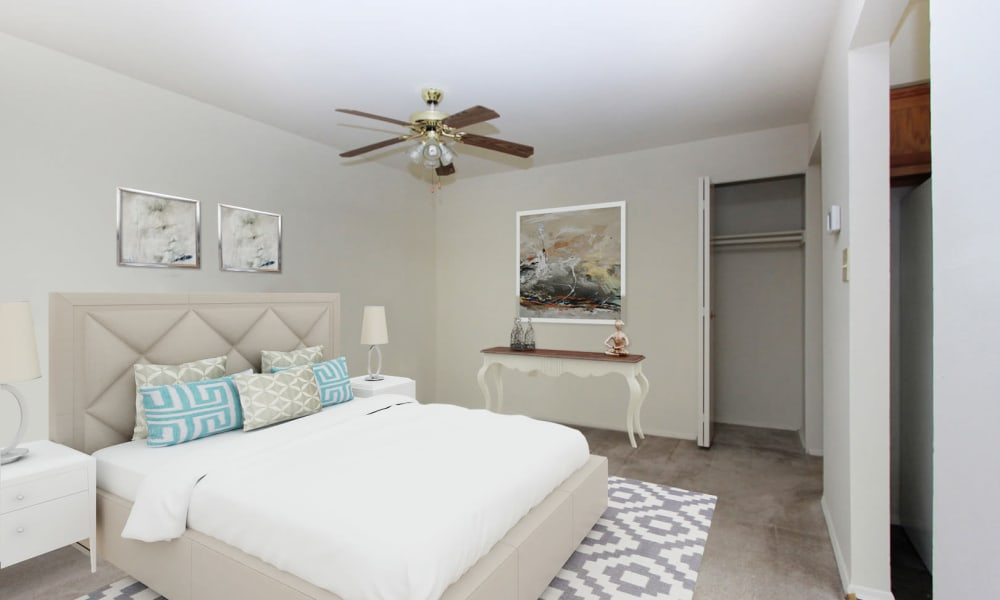 Bedroom at Glen Mar Apartment Homes in Glen Burnie, Maryland