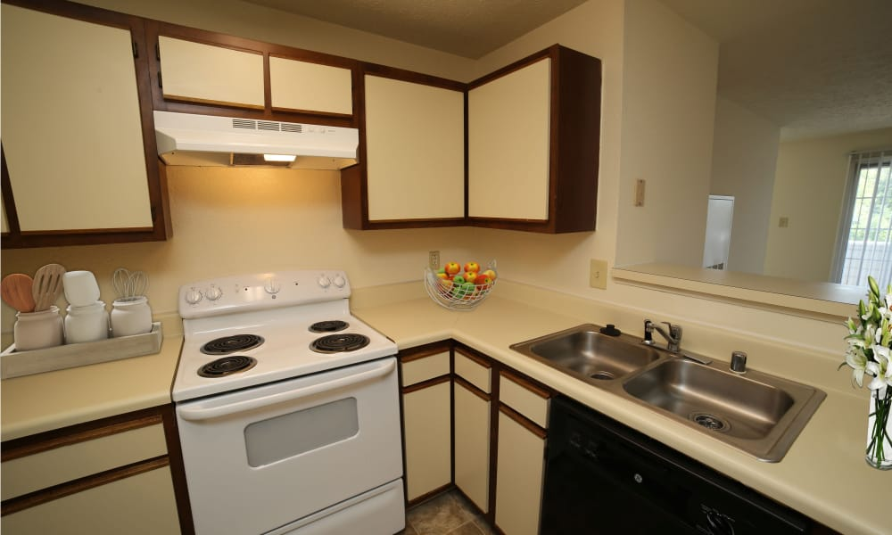 Kitchen at The Pointe at Stafford Apartment Homes in Stafford, Virginia