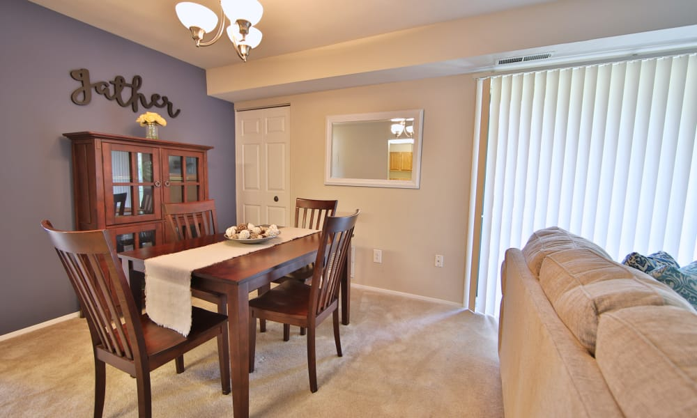 The Preserve at Owings Crossing Apartment Homes offers a beautiful dining room in Reisterstown, Maryland
