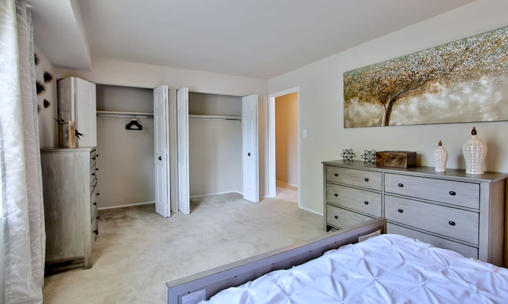 The Preserve at Owings Crossing Apartment Homes offers a beautiful bedroom in Reisterstown, Maryland