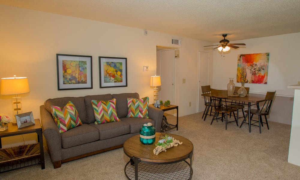 An apartment floor plan at Country Hollow in Tulsa, OK