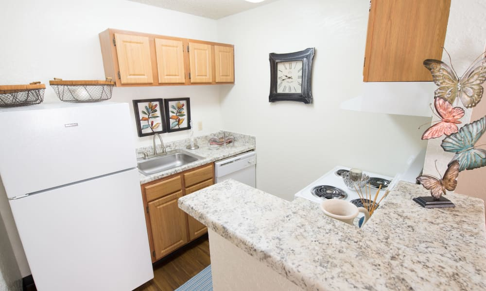 An apartment kitchen at Country Hollow in Tulsa, OK