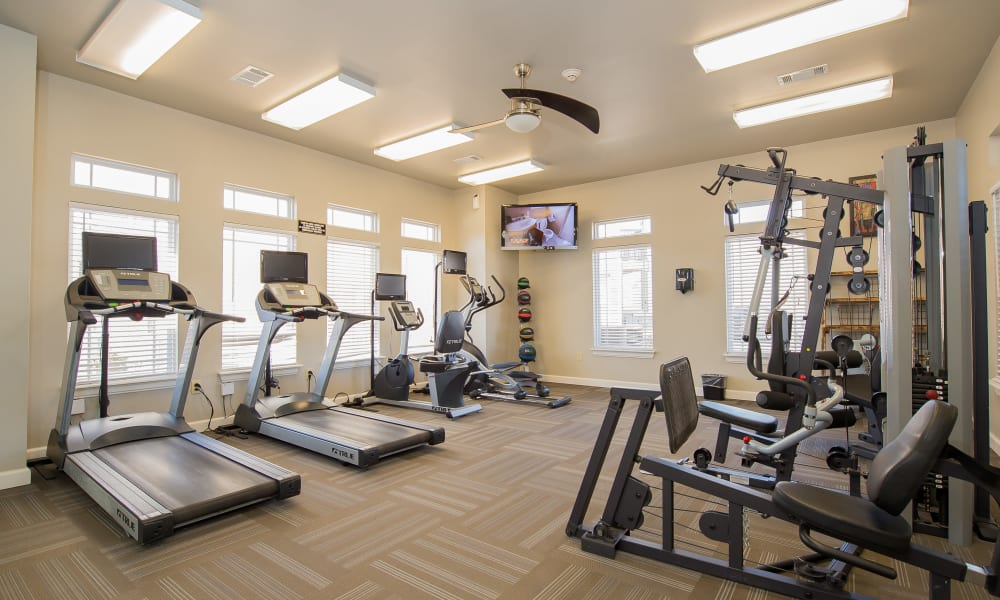 The Park on Westpointe offers a modern fitness center in Yukon, Oklahoma