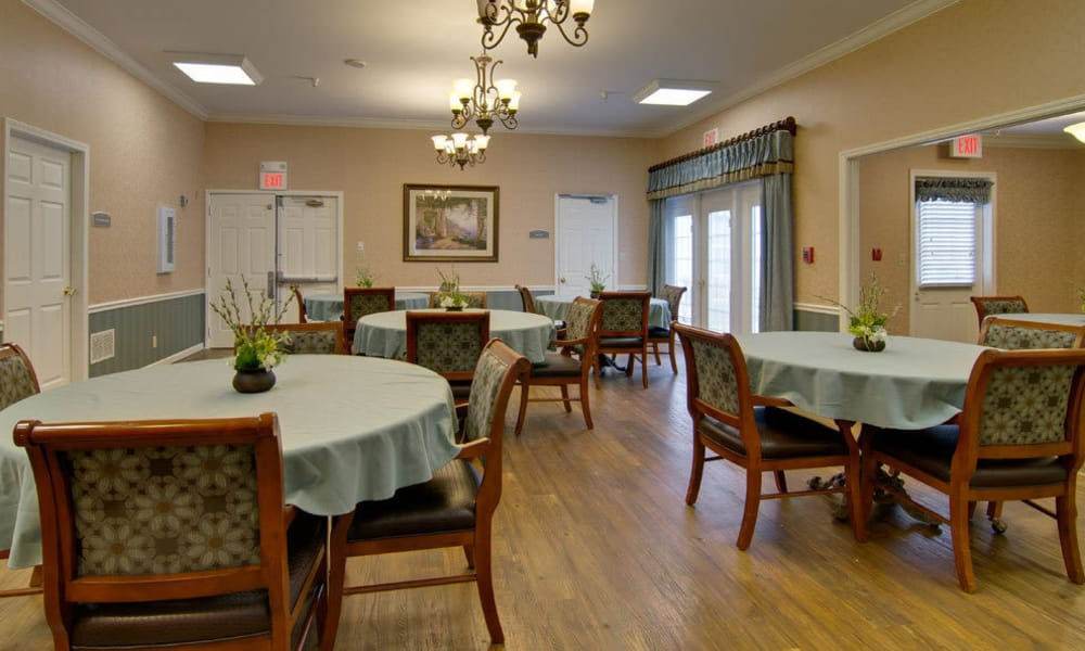 Small dining room at The Arbors at Parkside in Rolla, Missouri