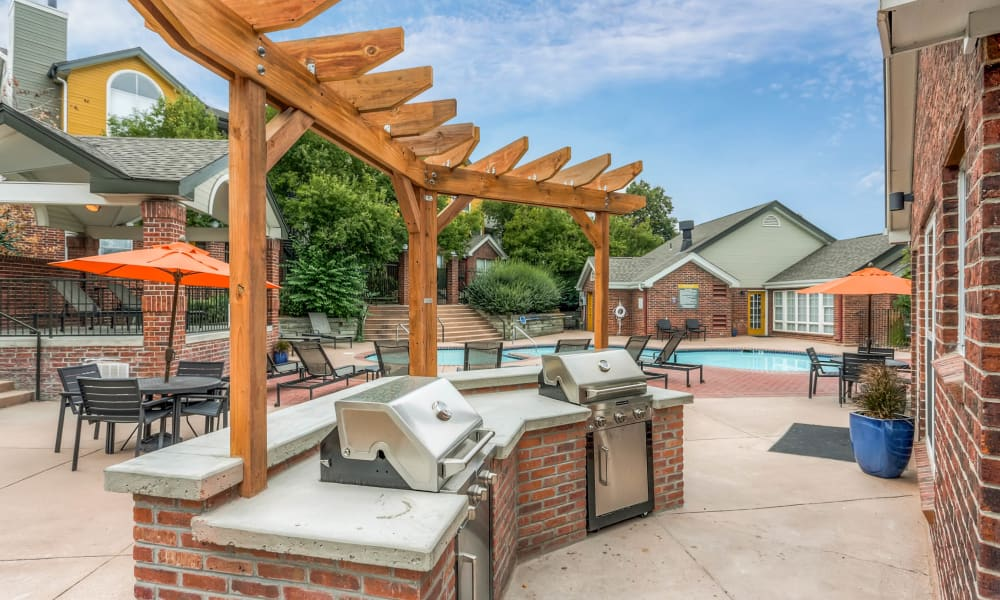 BBQ place near to the swimming pool at Keystone Apartments in Northglenn, Colorado