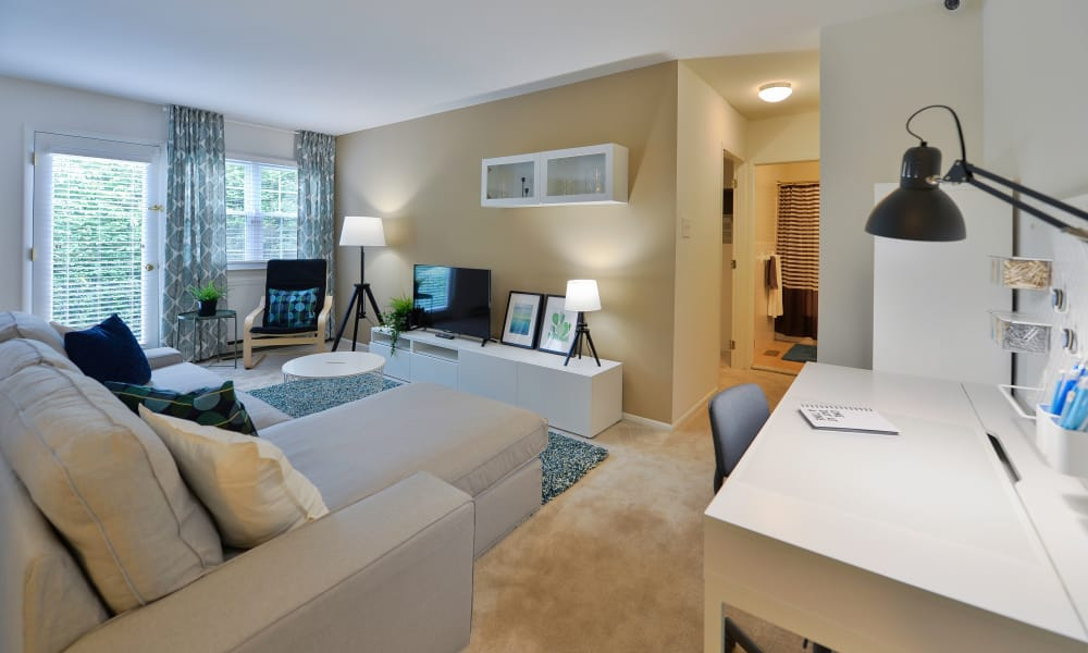 Living Room at Kingswood Apartments & Townhomes in King of Prussia, Pennsylvania