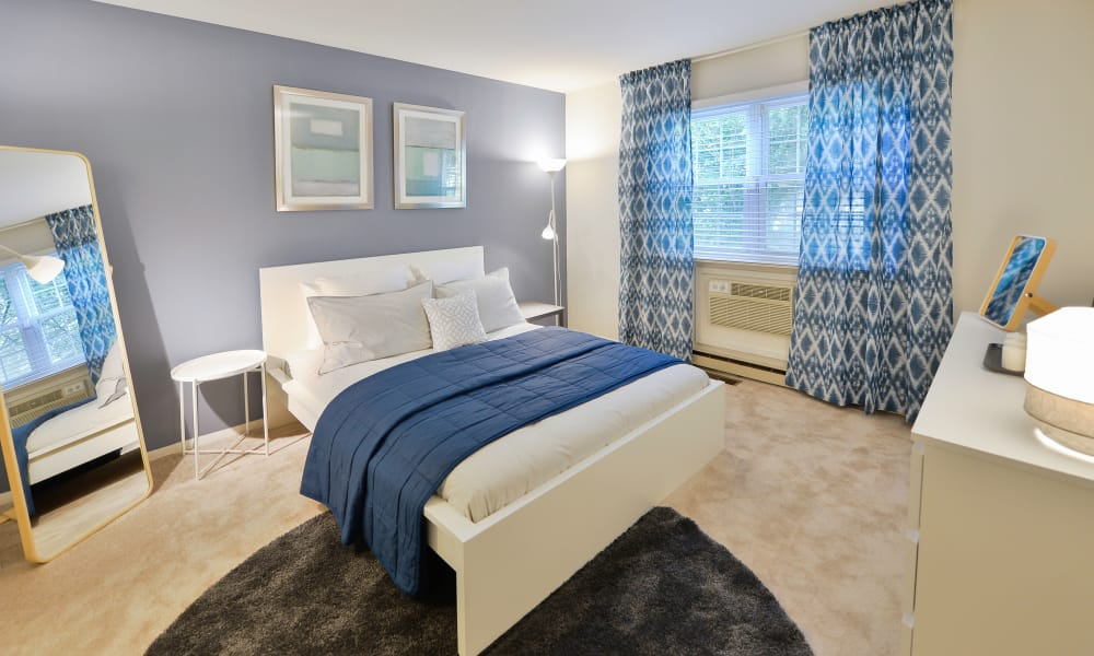 Bedroom at Kingswood Apartments & Townhomes in King of Prussia, Pennsylvania