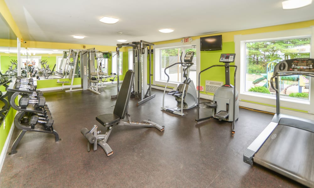 Enjoy Apartments with a Gym at Kingswood Apartments & Townhomes