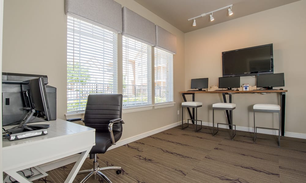 Spacious business center at Fountain Lake in Edmond, Oklahoma