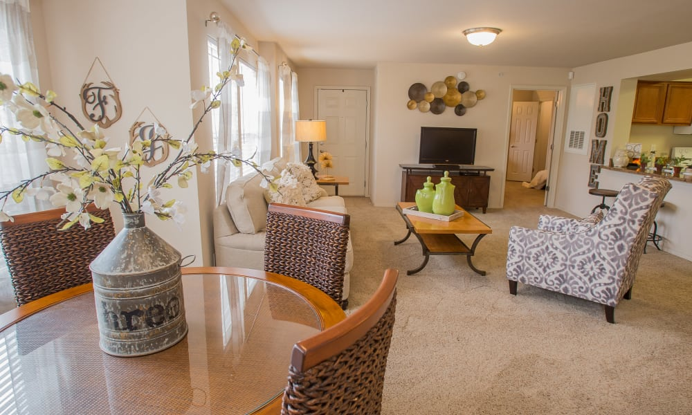 Spacious living at Fountain Lake in Edmond, Oklahoma