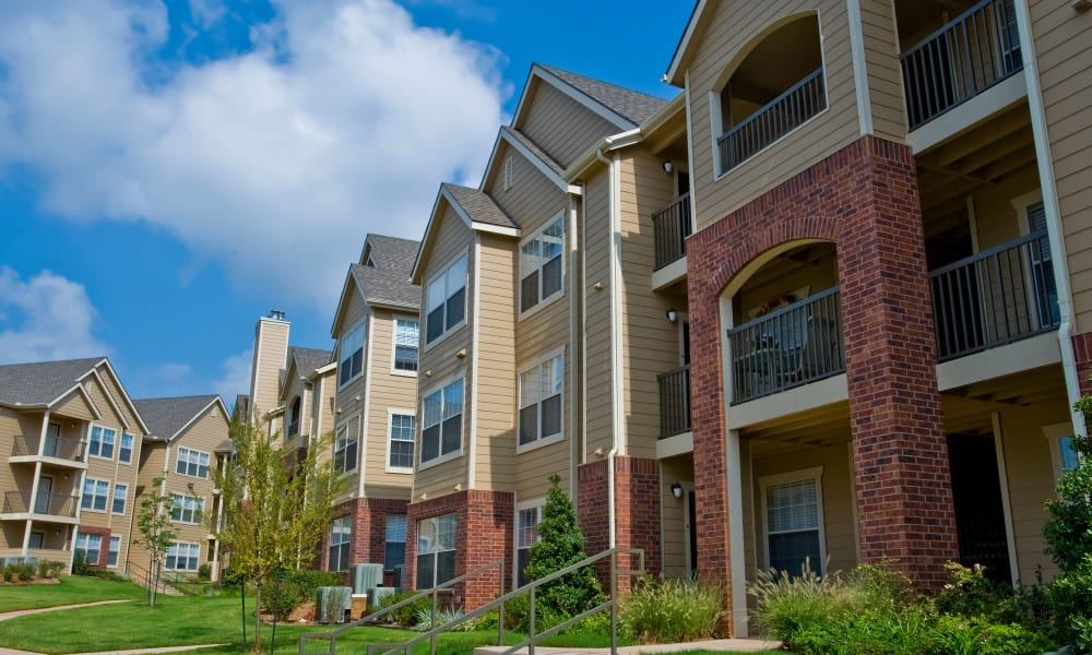 Exterior of apartment buildings at Fountain Lake in Edmond, Oklahoma