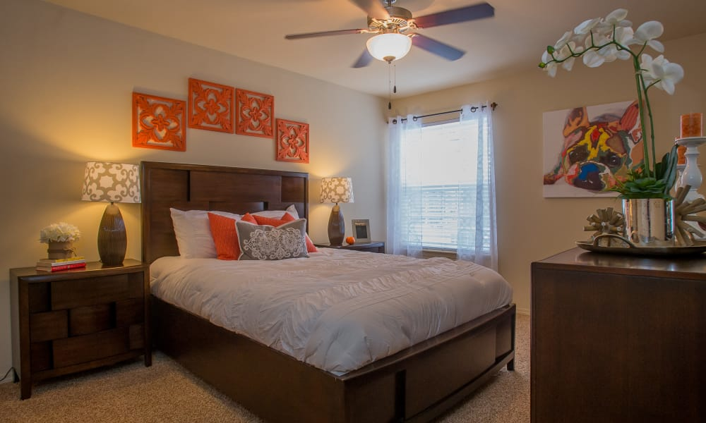 A well decorated bedroom at Park at Mission Hills in Broken Arrow, Oklahoma