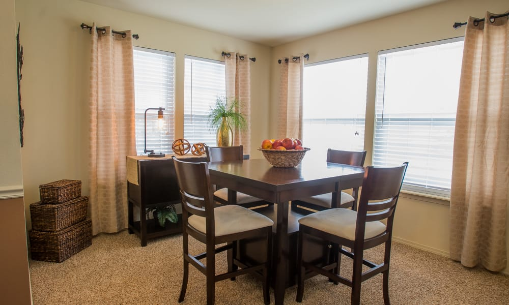 Spacious dining room area at Park at Mission Hills in Broken Arrow, Oklahoma