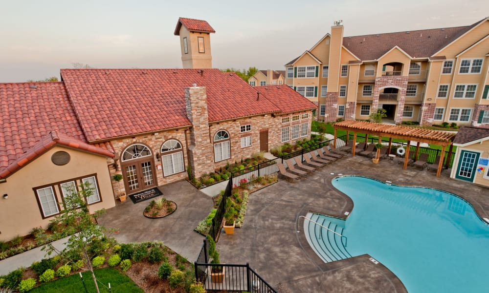 Aerial view of Park at Mission Hills's exterior in Broken Arrow, Oklahoma