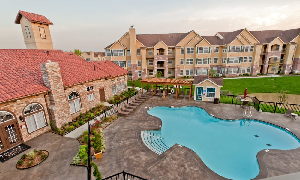 Aerial view of Park at Mission Hills and the pool in Broken Arrow, Oklahoma