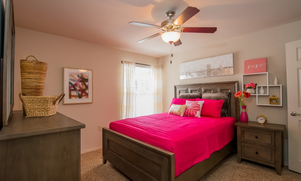 An apartment bedroom at Fountain Lake in Edmond, Oklahoma