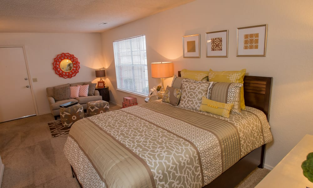 Spacious studio at Tammaron Village Apartments in Oklahoma City, Oklahoma