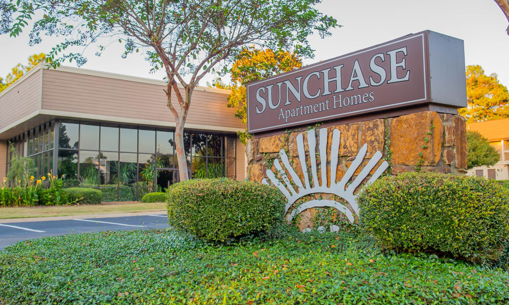Front entrance at Sunchase Ridgeland Apartments in Ridgeland, Mississippi