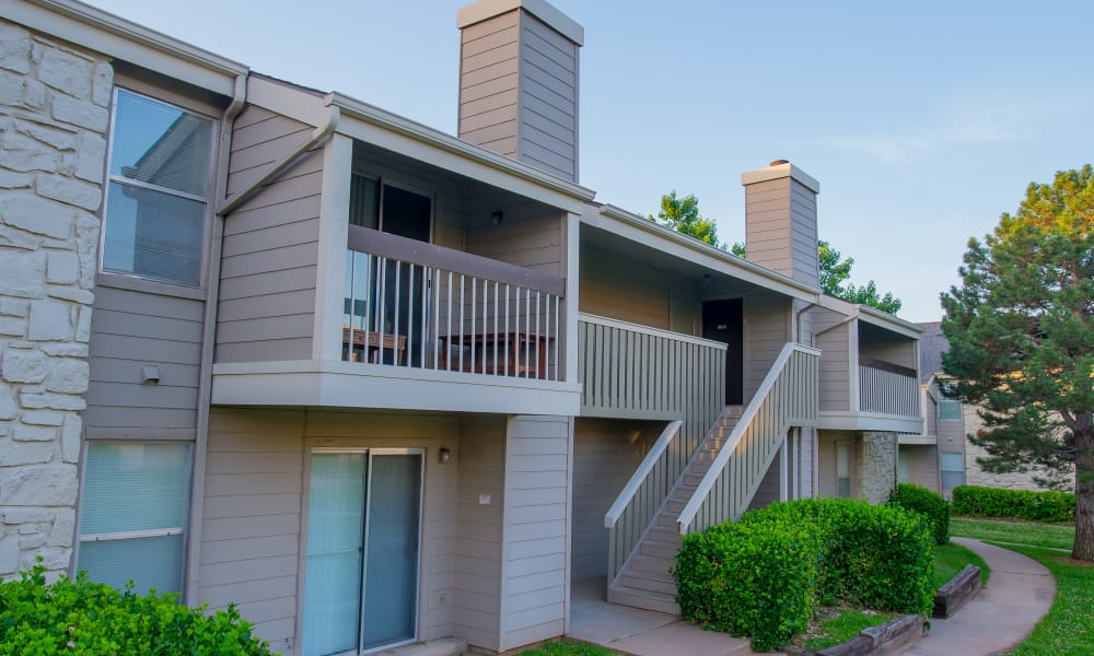 Exterior of Riverpark Apartments in Tulsa, Oklahoma