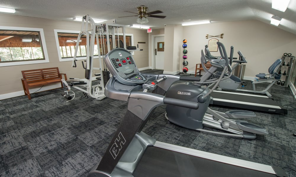 The gym at Sunchase Ridgeland Apartments in Ridgeland, MS
