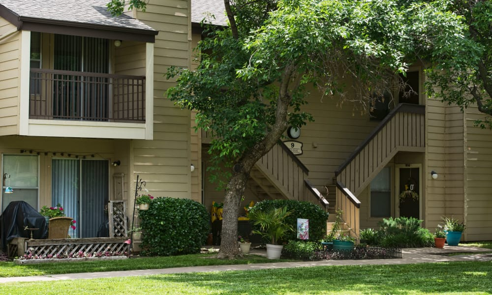 Exterior of Aspen Park Apartments in Wichita, Kansas
