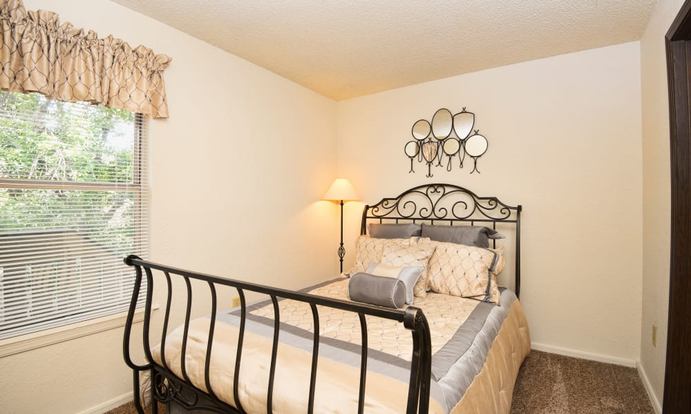 Aspen Park Apartments offers a spacious bedrooms in Wichita, Kansas