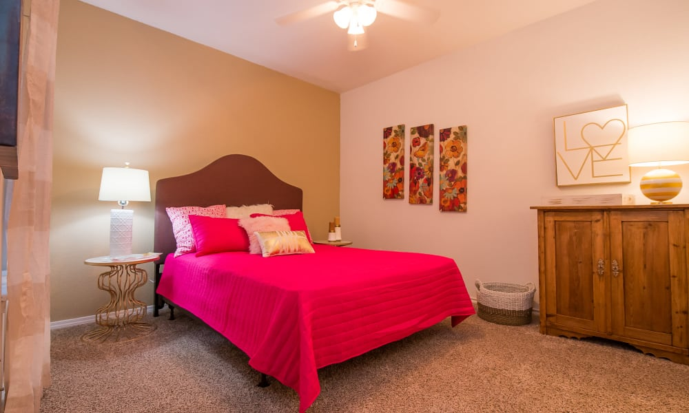 An apartment bedroom at Arbors of Pleasant Valley in Little Rock, Arkansas