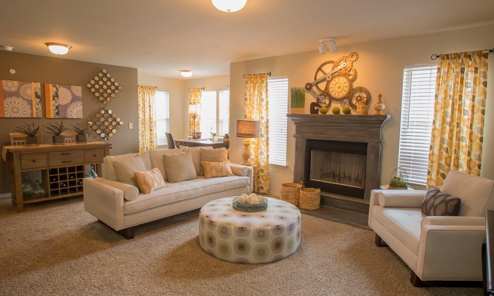 Living room at Cascata Apartments in Tulsa, Oklahoma