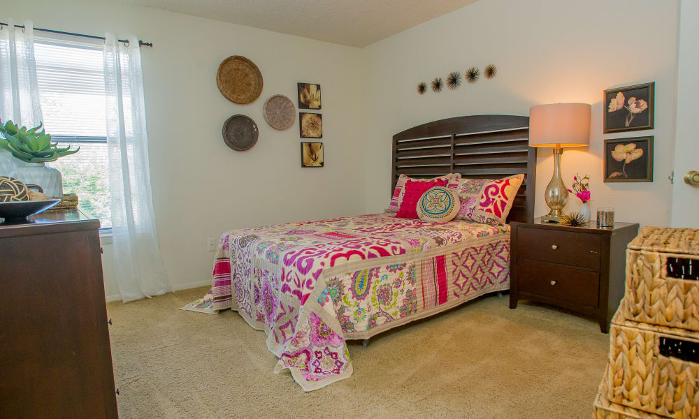 Cedar Glade Apartments offers a spacious bedrooms in Tulsa, Oklahoma