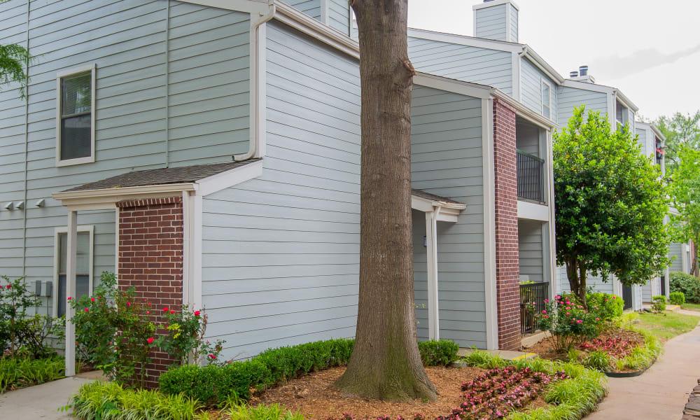 Exterior of Cedar Glade Apartments in Tulsa, Oklahoma