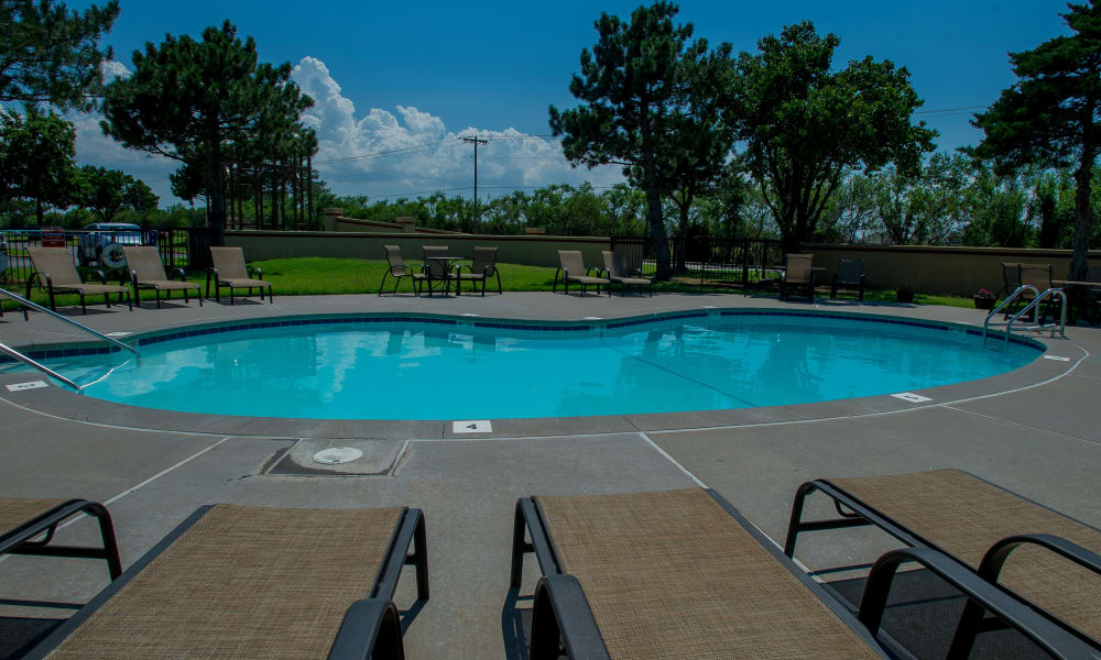 Poolside seating at Council Place Apartments in Oklahoma City, Oklahoma