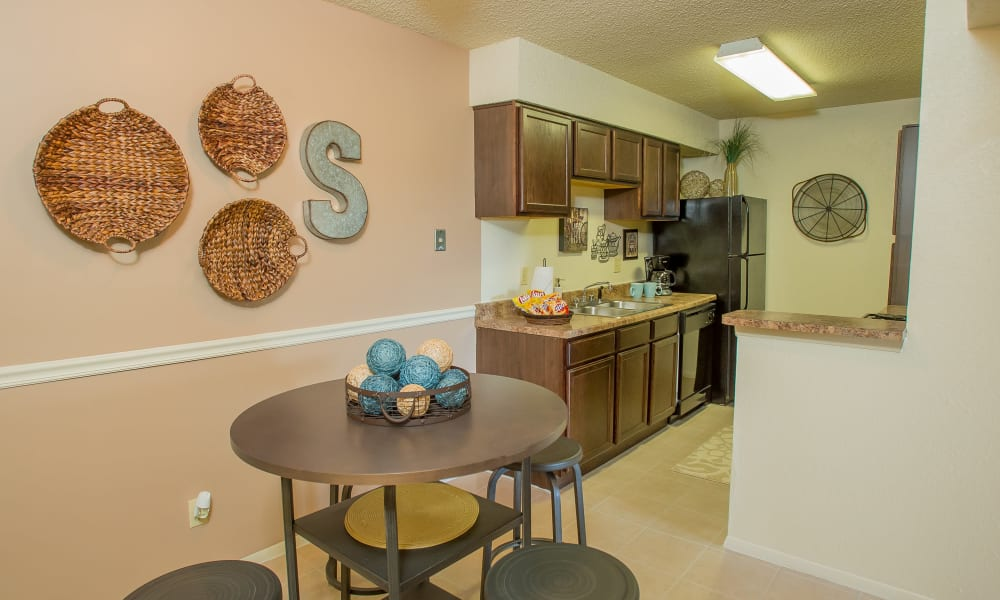 Dining area at Sugarberry Apartments in Tulsa, Oklahoma