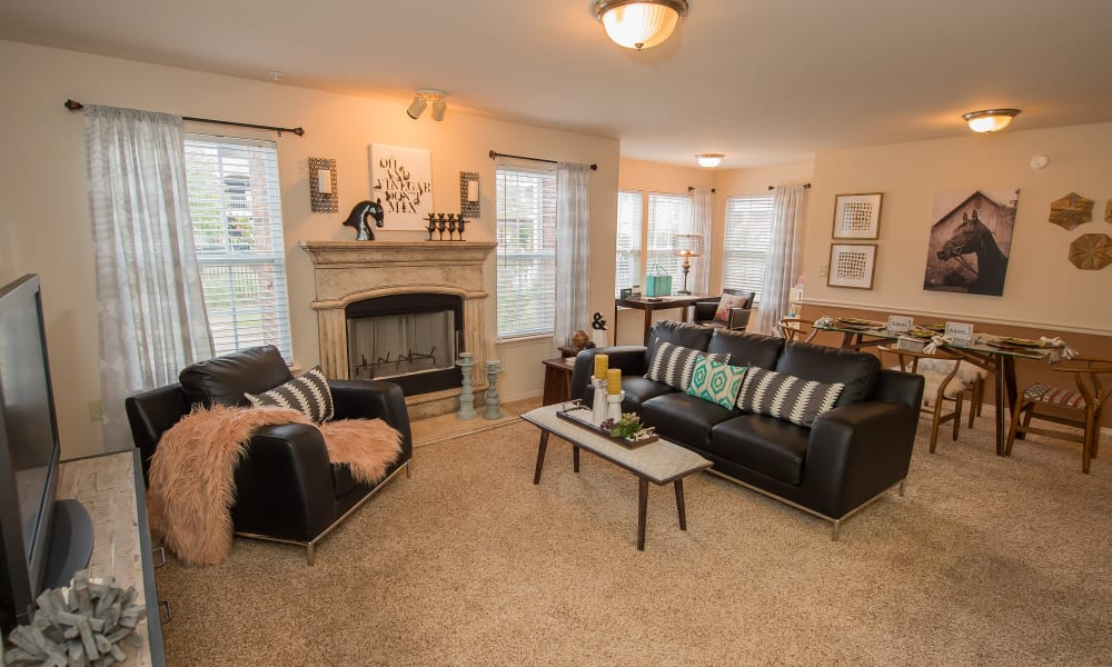A large apartment living room at The Park on Westpointe in Yukon, Oklahoma