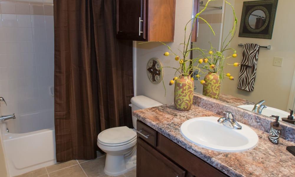 Spacious bathroom at Park at Tuscany in Oklahoma City, Oklahoma