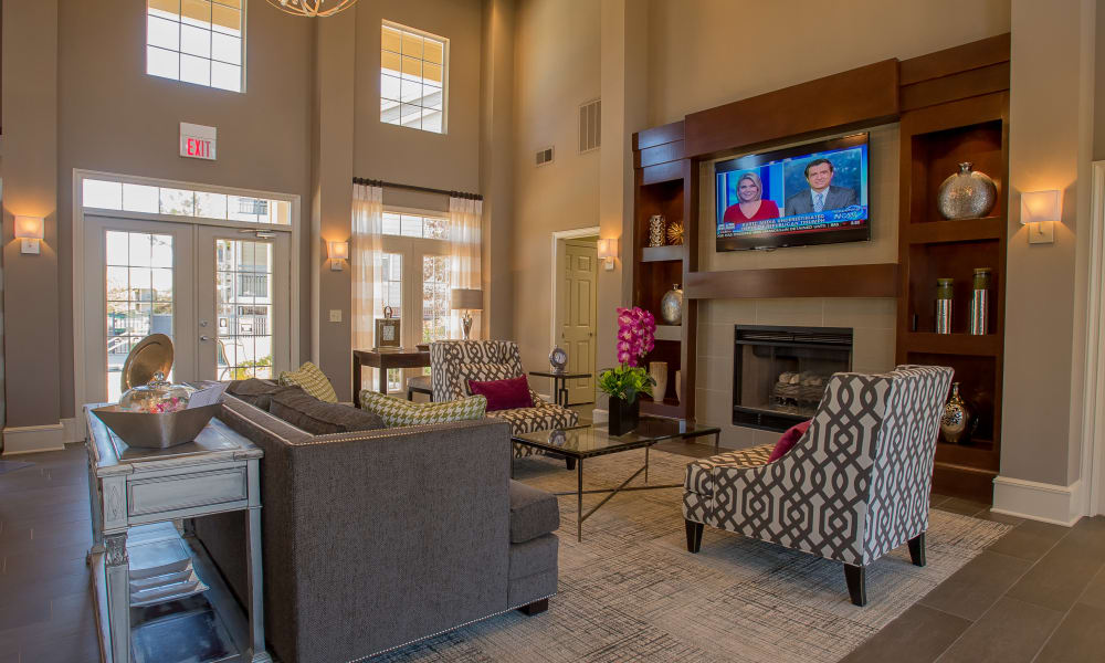 The clubhouse at Crown Pointe Apartments in Oklahoma City, Oklahoma
