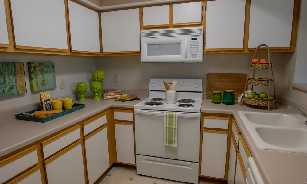 Fully equipped kitchen at Crown Pointe Apartments in Oklahoma City, Oklahoma