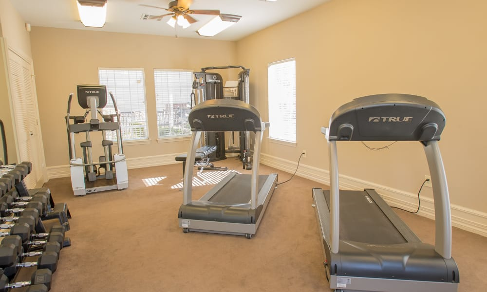 The fitness center at Crown Pointe Apartments in Oklahoma City, Oklahoma
