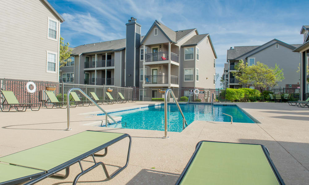 The pool at Crown Pointe Apartments in Oklahoma City, Oklahoma