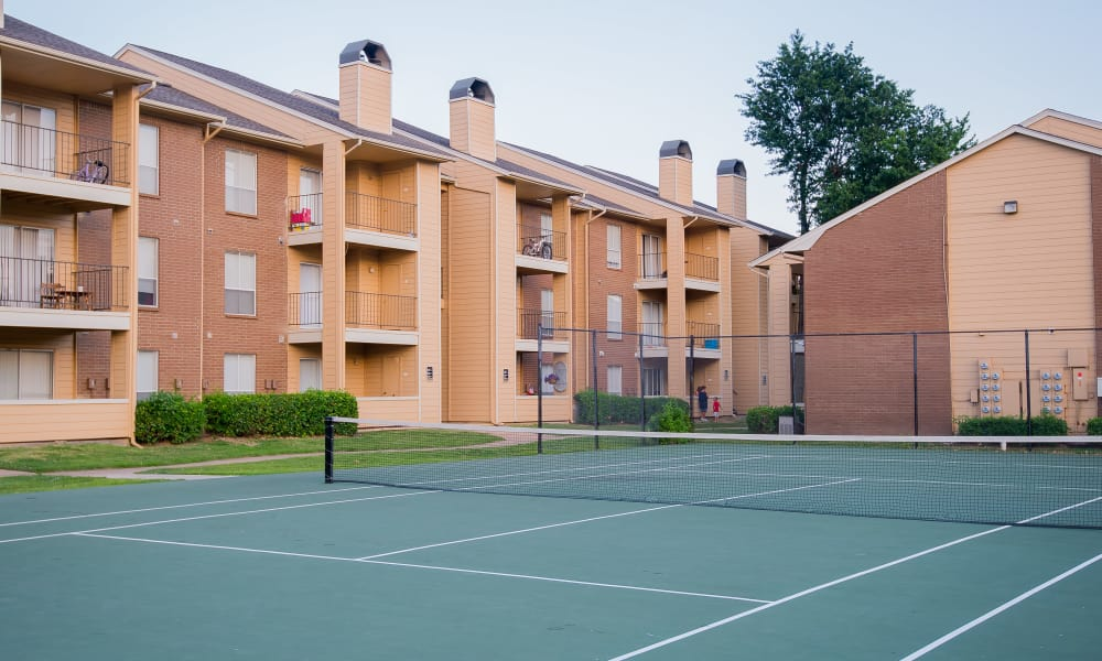 Windsail Apartments has a tennis court in Tulsa, Oklahoma