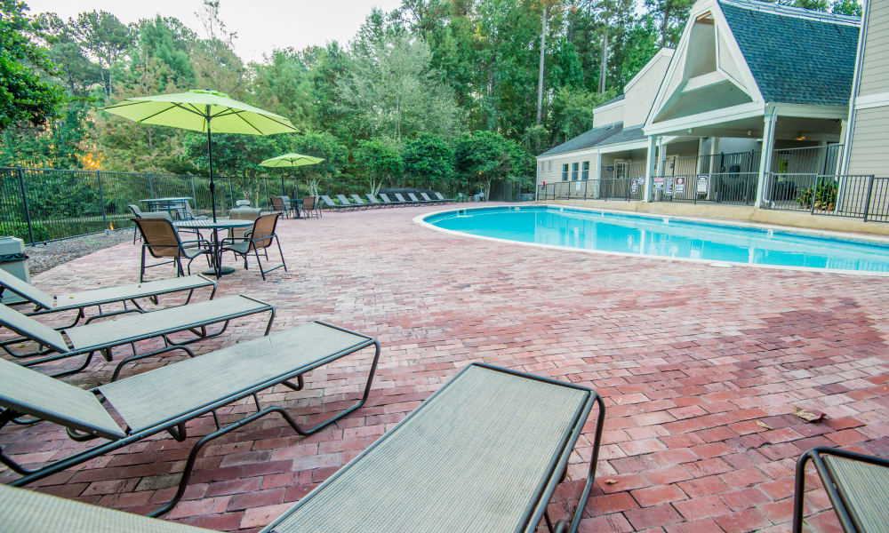 The community pool at The Pointe of Ridgeland in Ridgeland, MS