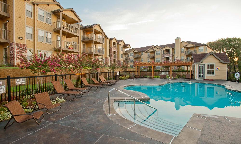 Swimming pool at Tuscany Hills at Nickel Creek in Tulsa, Oklahoma