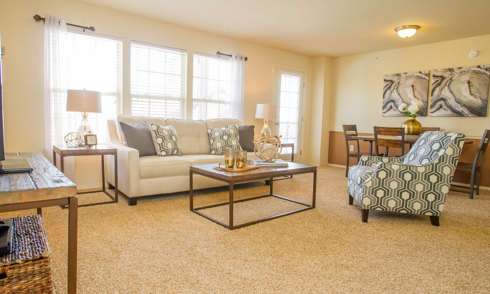 An apartment living room at Tuscany Hills in Tulsa, Oklahoma