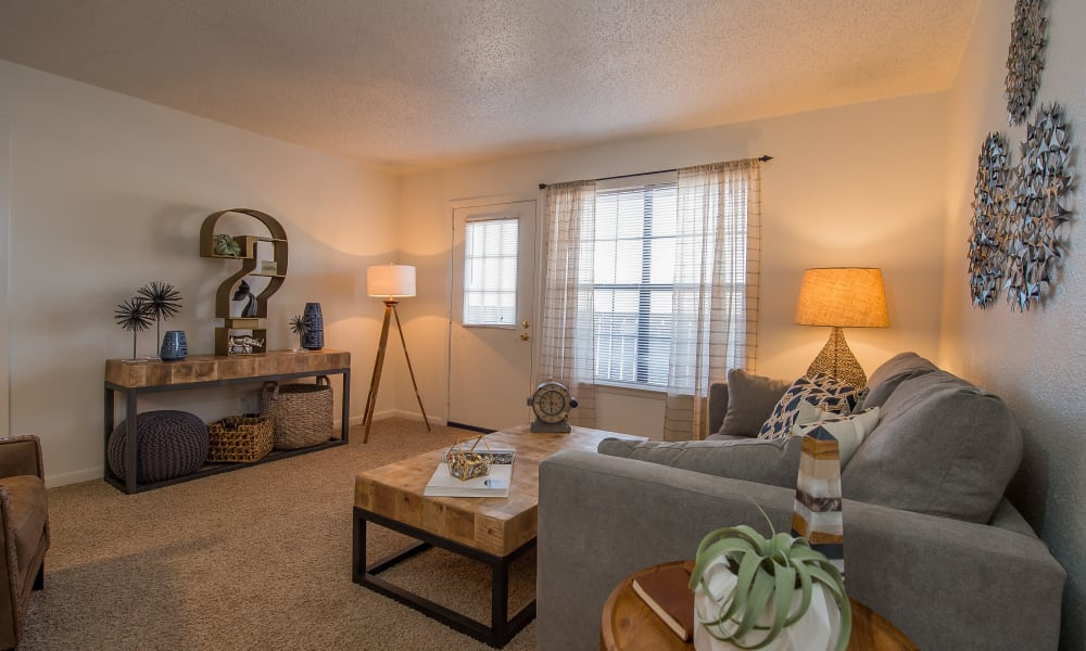 An open apartment floor plan at Waters Edge in Oklahoma City, OK