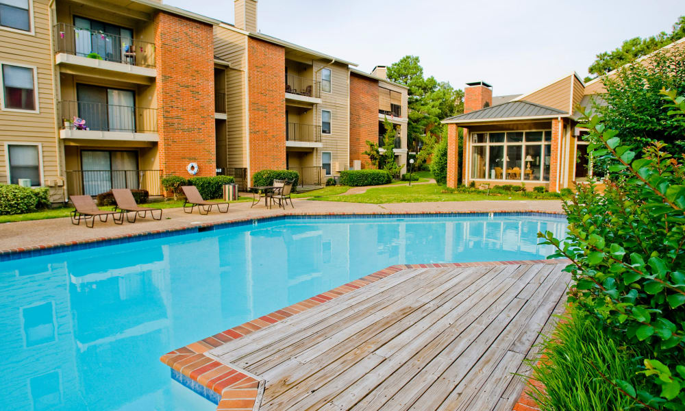 The community pool at Woodscape Apartments in Oklahoma City, OK