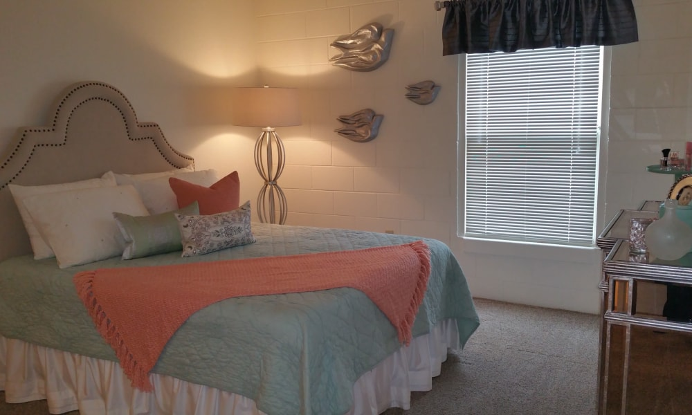 The Phoenix Apartments offers a spacious bedroom in El Paso, Texas