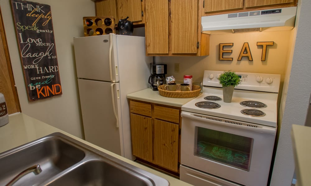 Full equipped kitchen at Walnut Ridge Apartments in Corpus Christi, Texas