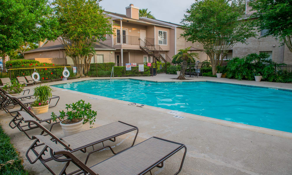 Resort style pool at Walnut Ridge Apartments in Corpus Christi, Texas