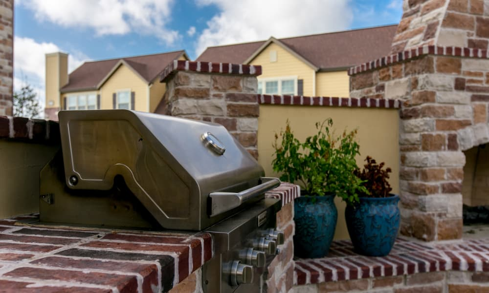 Tuscana Bay Apartments offers a bbq area in Corpus Christi, Texas