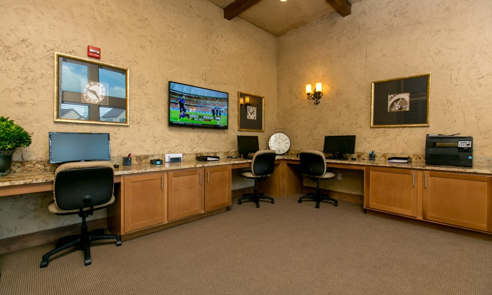 Computer lab at Tuscana Bay Apartments in Corpus Christi, Texas